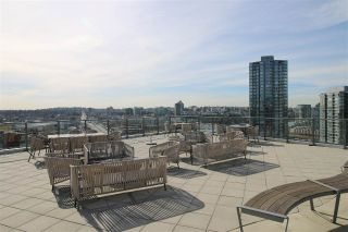 "Main Photo: 2005 68 SMITHE Street in Vancouver: Downtown VW Condo for sale in ""ONE PACIFIC"" (Vancouver West)  : MLS®# R2245817"