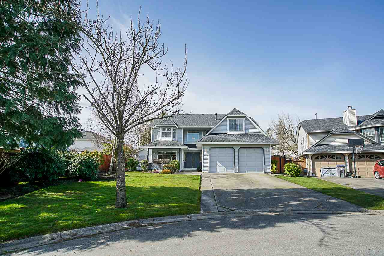 "Main Photo: 6077 174A Street in Surrey: Cloverdale BC House for sale in ""West Cloverdale"" (Cloverdale)  : MLS® # R2246516"