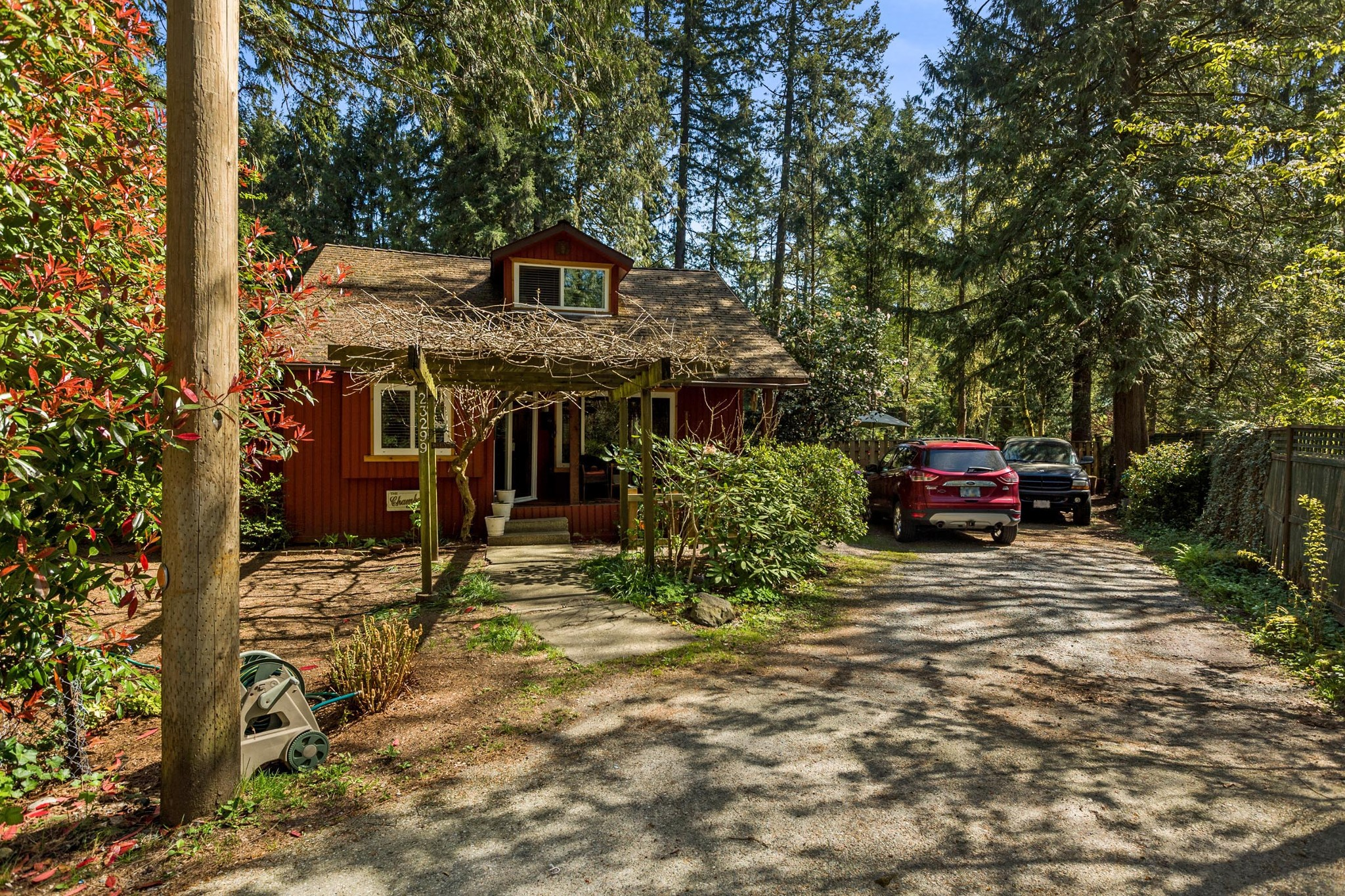 Main Photo: 23299 130 Avenue in Maple Ridge: East Central House for sale : MLS®# R2262762