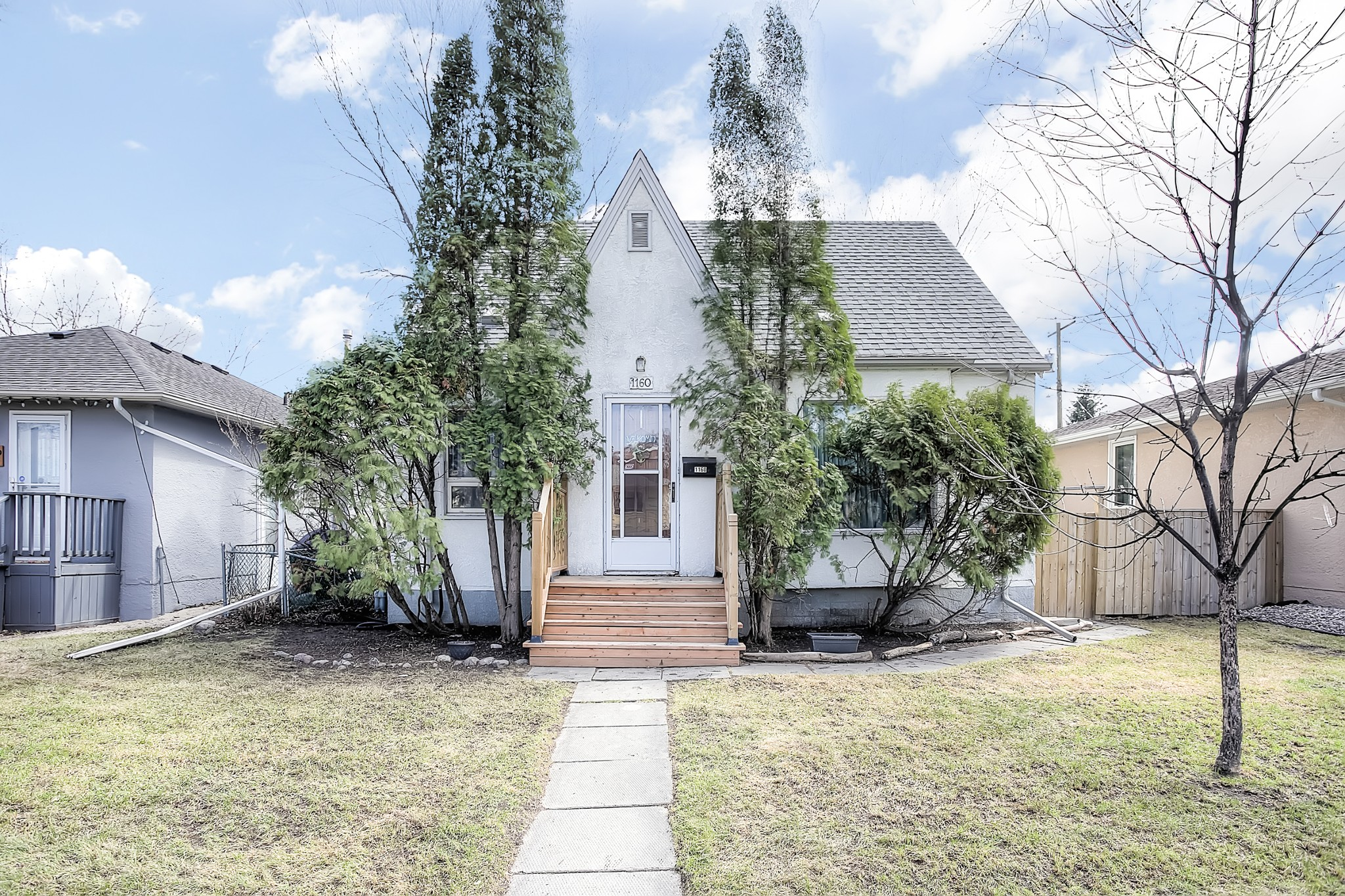 FEATURED LISTING: 1160 Warsaw Avenue Winnipeg