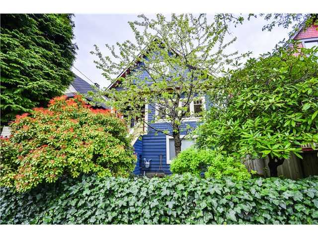 "Main Photo: 2841 WINDSOR Street in Vancouver: Mount Pleasant VE House for sale in ""Mt. Pleasant"" (Vancouver East)  : MLS® # V1060987"