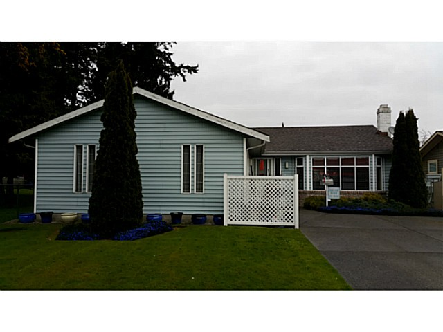 "Main Photo: 5445 48A Avenue in Ladner: Hawthorne House for sale in ""HAWTHORNE"" : MLS®# V1117318"