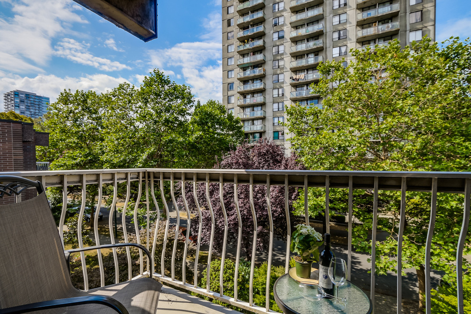 "Photo 14: 419 1655 NELSON Street in Vancouver: West End VW Condo for sale in ""Hempstead Manor"" (Vancouver West)  : MLS® # V1135578"