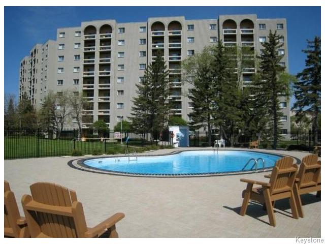 Main Photo: 3000 Pembina Highway in WINNIPEG: Fort Garry / Whyte Ridge / St Norbert Condominium for sale (South Winnipeg)  : MLS® # 1527083