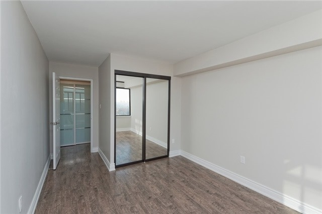 Photo 8: 1606 55 Skymark Drive in Toronto: Hillcrest Village Condo for sale (Toronto C15)  : MLS(r) # C3374336