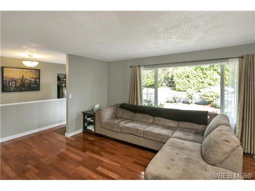 Photo 3: 3296 Galloway Road in VICTORIA: Co Wishart North Single Family Detached for sale (Colwood)  : MLS(r) # 366978