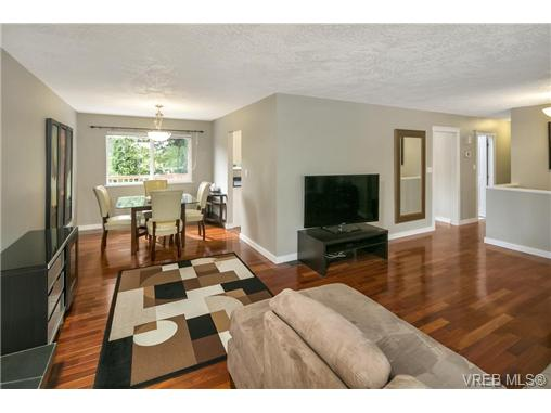Photo 2: 3296 Galloway Road in VICTORIA: Co Wishart North Single Family Detached for sale (Colwood)  : MLS(r) # 366978