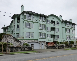 "Main Photo: 208 45775 SPADINA Avenue in Chilliwack: Chilliwack W Young-Well Condo for sale in ""IVY GREEN"" : MLS®# R2125770"