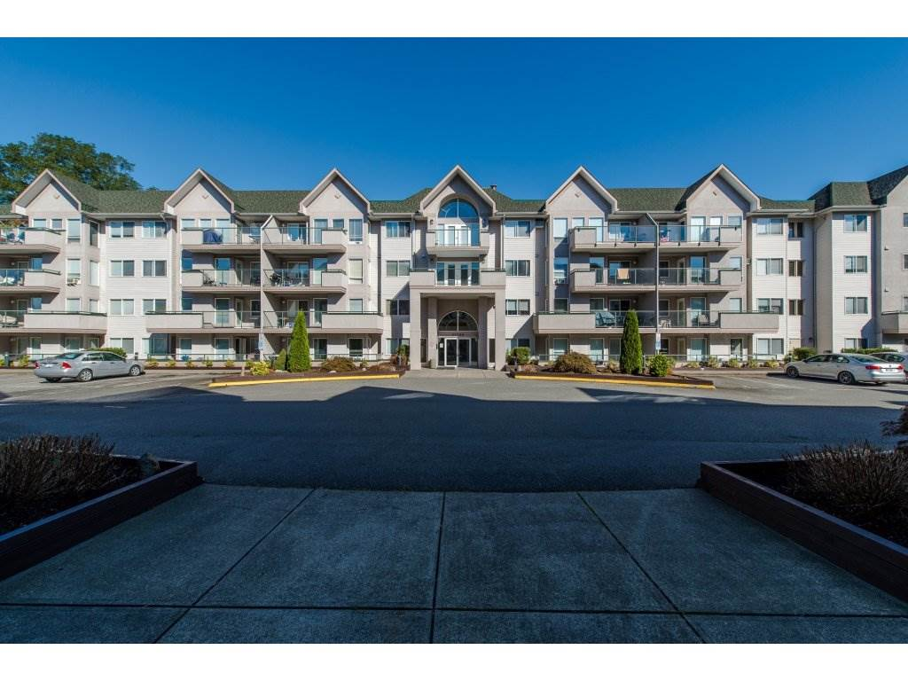 "Main Photo: 112 33738 KING Road in Abbotsford: Poplar Condo for sale in ""College Park"" : MLS®# R2138684"