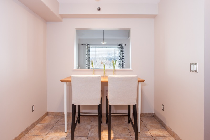 "Photo 11: 204 1154 WESTWOOD Street in Coquitlam: North Coquitlam Condo for sale in ""EMERALD COURT"" : MLS(r) # R2142917"