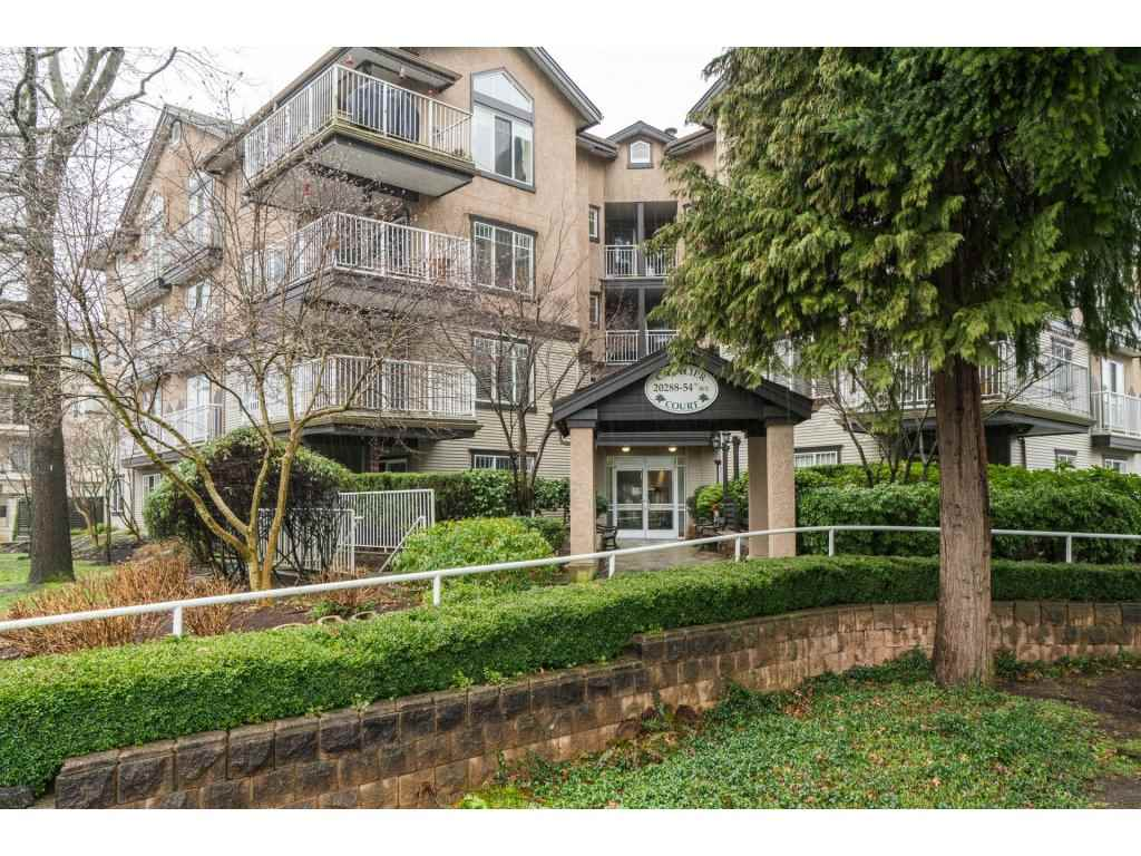 "Main Photo: 206 20288 54 Avenue in Langley: Langley City Condo for sale in ""Cavalier Court"" : MLS(r) # R2150776"