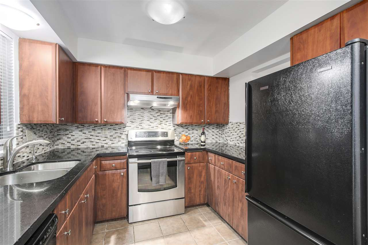 Photo 8: 408 937 W 14TH Avenue in Vancouver: Fairview VW Condo for sale (Vancouver West)  : MLS(r) # R2150940