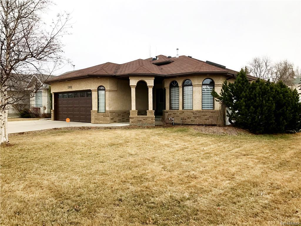 Main Photo: 1902 Kenderdine Road in Saskatoon: Erindale Single Family Dwelling for sale (Saskatoon Area 01)  : MLS®# 605552