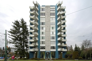 "Main Photo: 501 4691 W 10TH Avenue in Vancouver: Point Grey Condo for sale in ""WESTGATE"" (Vancouver West)  : MLS(r) # R2161420"