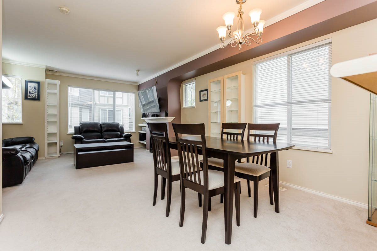 "Photo 6: 27 8775 161 Street in Surrey: Fleetwood Tynehead Townhouse for sale in ""Ballantyne"" : MLS® # R2164896"