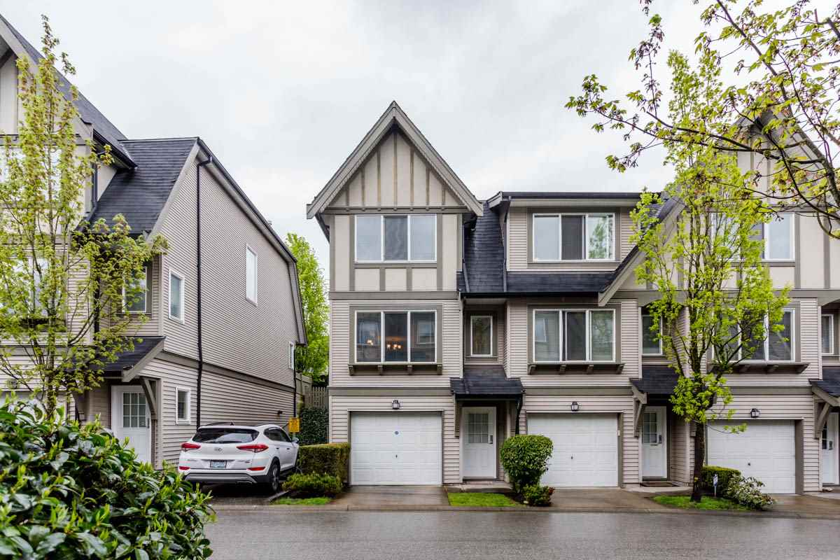 "Main Photo: 27 8775 161 Street in Surrey: Fleetwood Tynehead Townhouse for sale in ""Ballantyne"" : MLS® # R2164896"