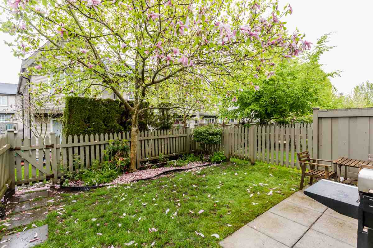 "Photo 20: 27 8775 161 Street in Surrey: Fleetwood Tynehead Townhouse for sale in ""Ballantyne"" : MLS® # R2164896"