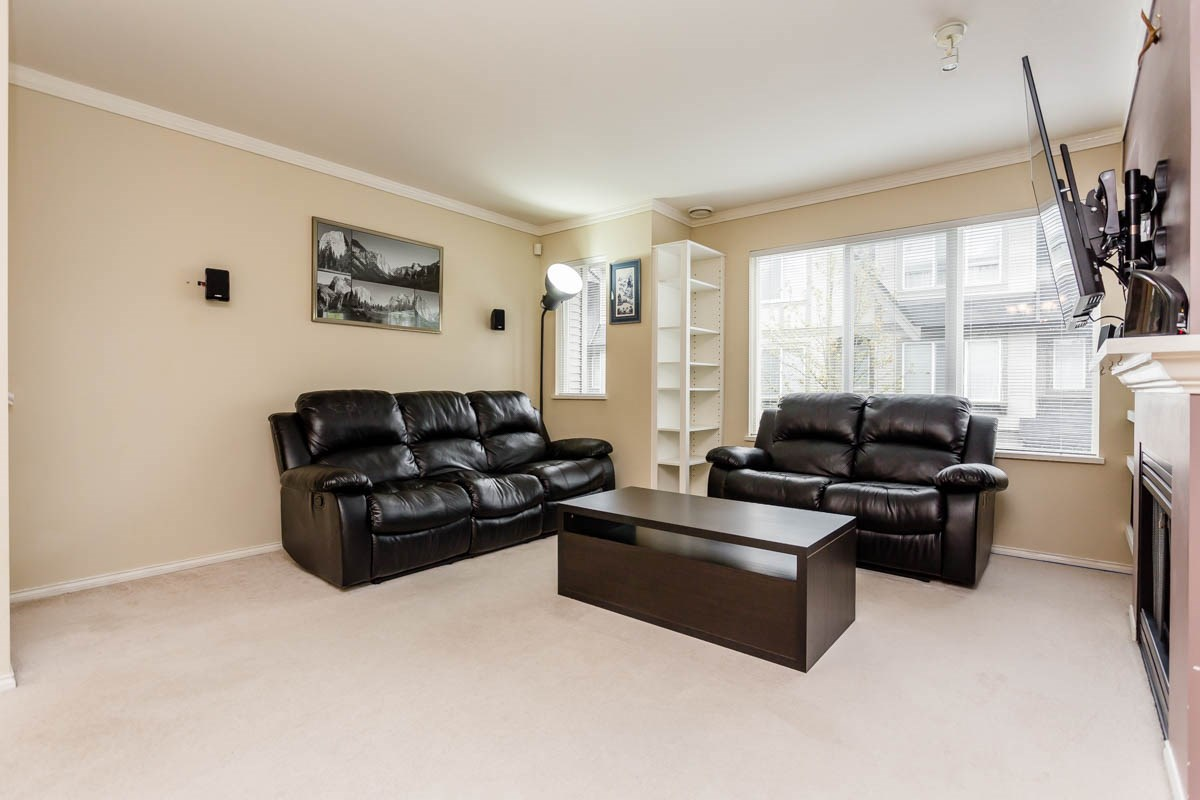 "Photo 12: 27 8775 161 Street in Surrey: Fleetwood Tynehead Townhouse for sale in ""Ballantyne"" : MLS® # R2164896"