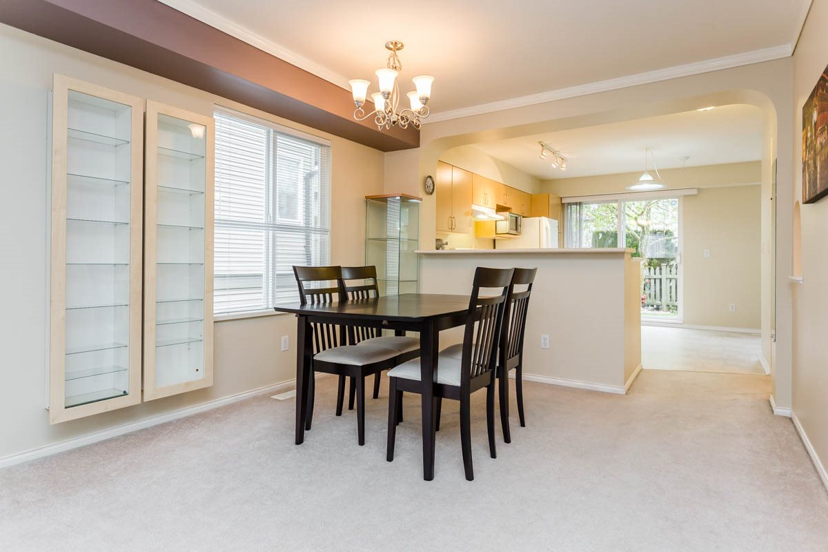"Photo 7: 27 8775 161 Street in Surrey: Fleetwood Tynehead Townhouse for sale in ""Ballantyne"" : MLS® # R2164896"