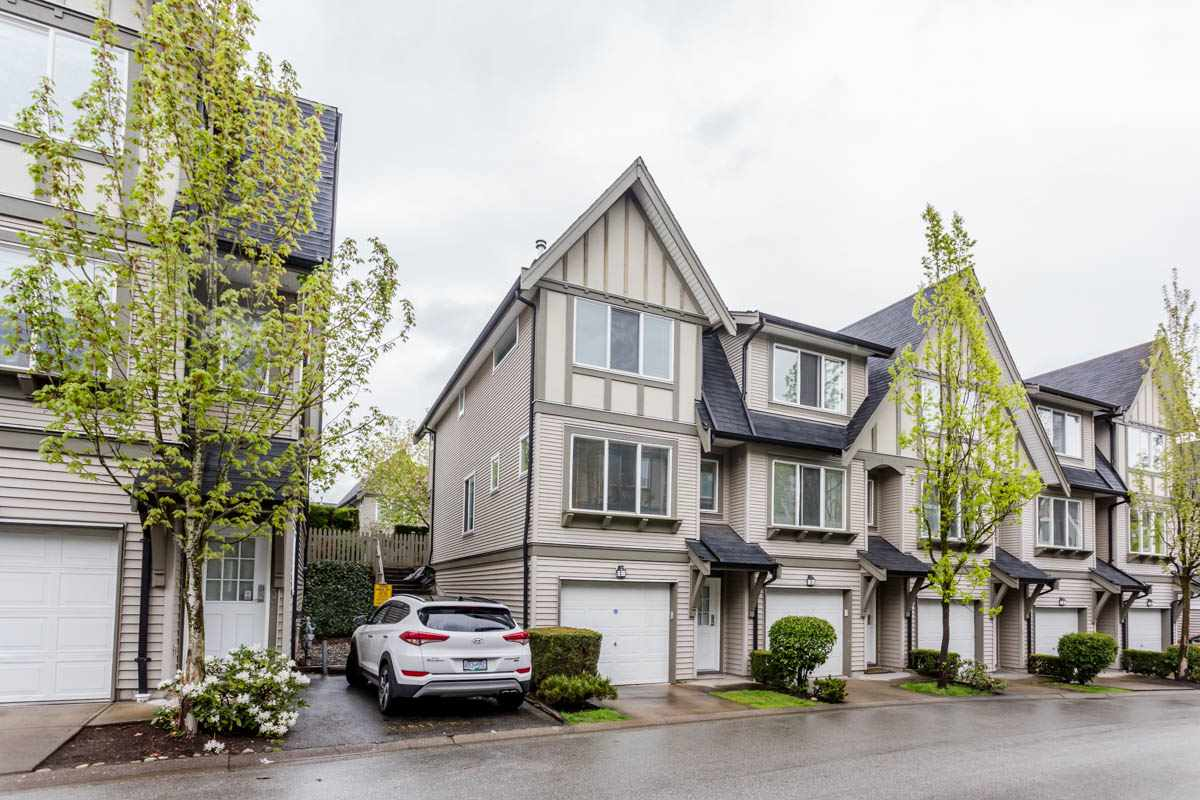 "Photo 2: 27 8775 161 Street in Surrey: Fleetwood Tynehead Townhouse for sale in ""Ballantyne"" : MLS® # R2164896"