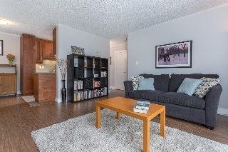 Main Photo: 425 665 E 6TH AVENUE in Vancouver: Mount Pleasant VE Condo for sale (Vancouver East)  : MLS®# R2105246
