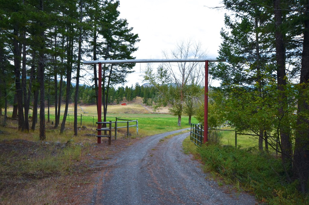 Main Photo: 5073 Back Road in Westwold: Monte Lake / Westwold House for sale ()  : MLS® # 10124285