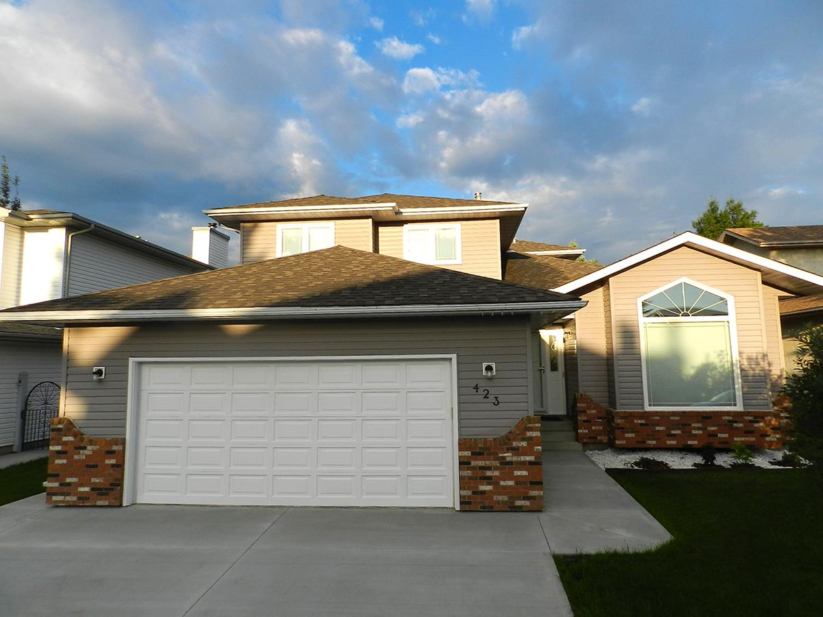 Main Photo: 423 REEVES Crest in Edmonton: Zone 14 House for sale : MLS® # E4075355
