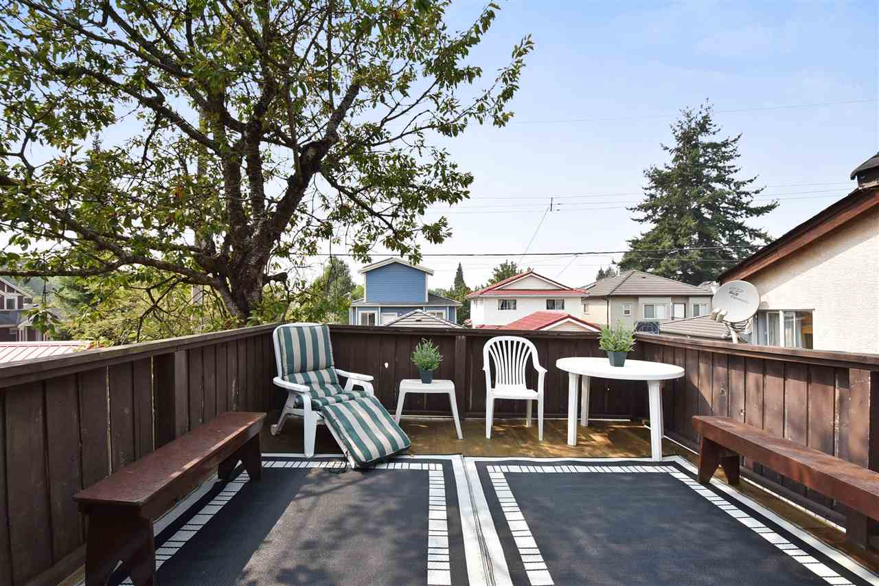 West-facing sundeck!