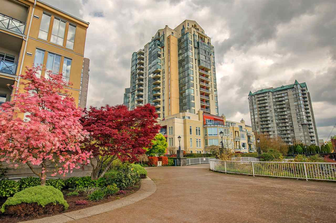 "Main Photo: 1004 8 LAGUNA Court in New Westminster: Quay Condo for sale in ""THE EXCECSIOR"" : MLS®# R2204646"