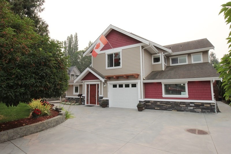 "Main Photo: 20944 48 Avenue in Langley: Langley City House for sale in ""Newlands"" : MLS® # R2204412"