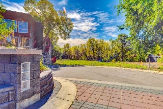 Main Photo:  in Edmonton: Zone 07 Vacant Lot for sale : MLS® # E4082307