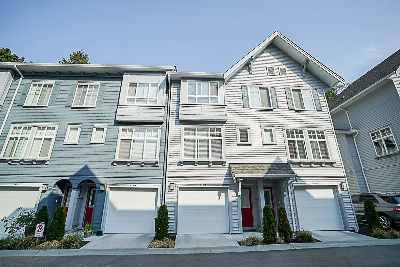 Main Photo: 46 5858 142 Street in Surrey: Sullivan Station Townhouse for sale : MLS®# R2210209