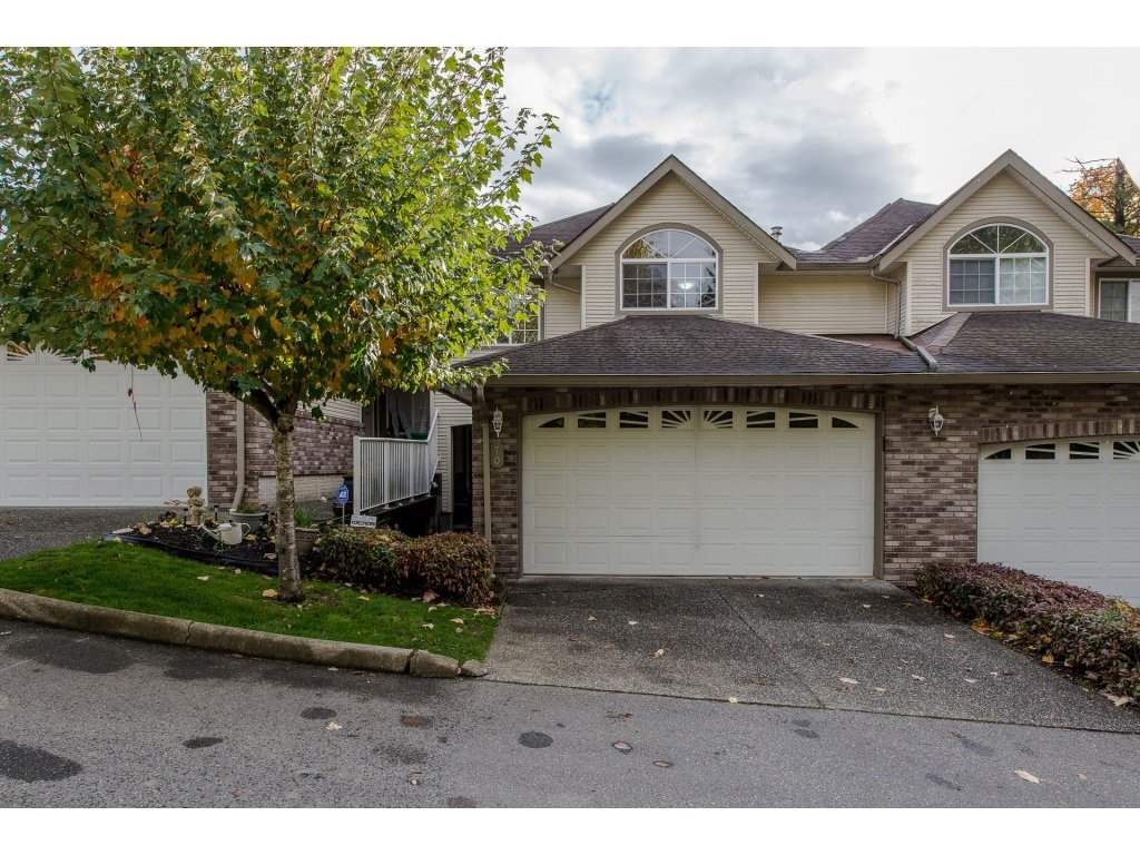 "Photo 1: Photos: 70 32777 CHILCOTIN Drive in Abbotsford: Central Abbotsford Townhouse for sale in ""Cartier Heights"" : MLS® # R2216370"
