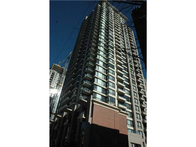 "Main Photo: 806 928 HOMER Street in Vancouver: Downtown VW Condo for sale in ""YALETOWN PARK 1"" (Vancouver West)  : MLS®# V872020"