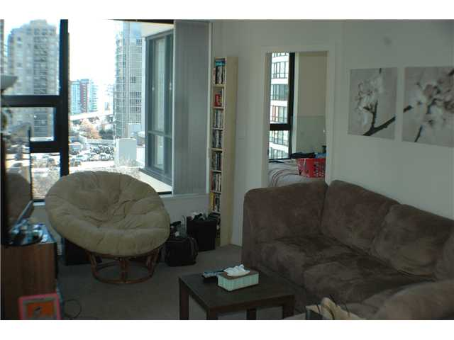 "Photo 3: 806 928 HOMER Street in Vancouver: Downtown VW Condo for sale in ""YALETOWN PARK 1"" (Vancouver West)  : MLS(r) # V872020"