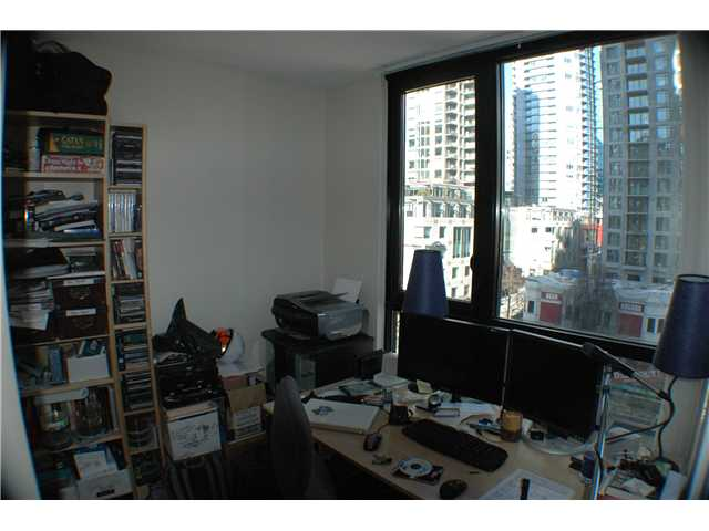 "Photo 5: 806 928 HOMER Street in Vancouver: Downtown VW Condo for sale in ""YALETOWN PARK 1"" (Vancouver West)  : MLS(r) # V872020"
