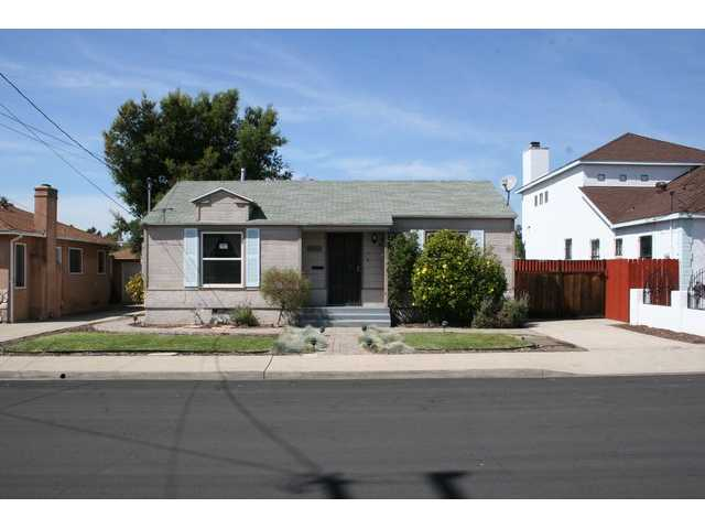 Main Photo: LA MESA House for sale : 2 bedrooms : 7546 Sturgess