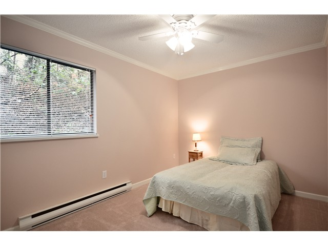 "Photo 7: 104 37 AGNES Street in New Westminster: Downtown NW Condo for sale in ""AGNES COURT"" : MLS(r) # V927022"