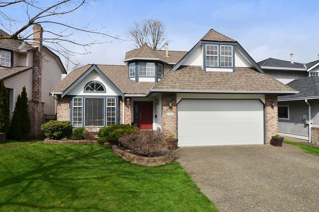 "Main Photo: 21341 87B Avenue in Langley: Walnut Grove House for sale in ""Forest Hills"" : MLS®# F1407480"