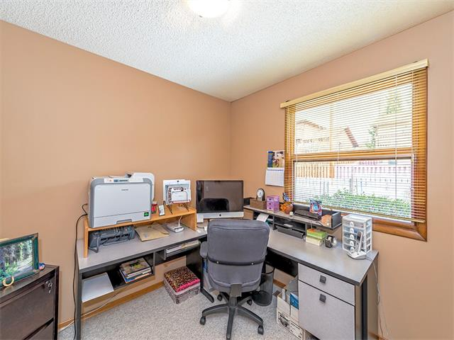 Photo 15: 16 HAWKWOOD Crescent NW in Calgary: Hawkwood House  : MLS® # C4010169