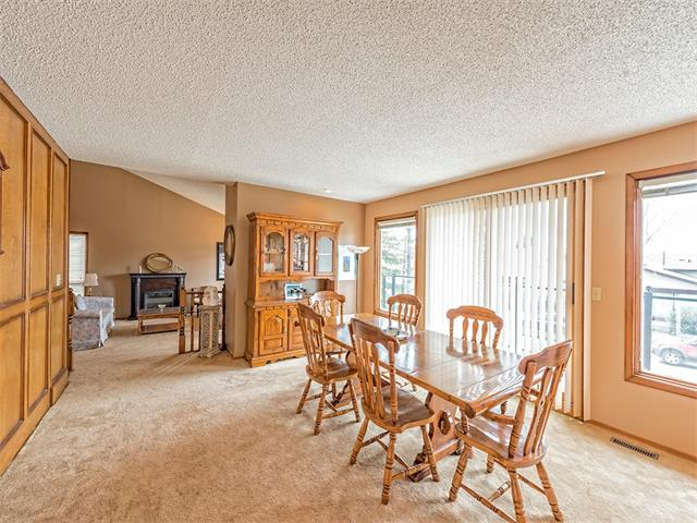 Photo 7: 16 HAWKWOOD Crescent NW in Calgary: Hawkwood House  : MLS® # C4010169