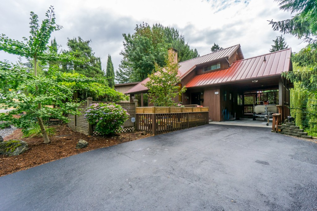 Main Photo: 2290 SENTINEL Drive in Abbotsford: Central Abbotsford House for sale : MLS® # F1446865