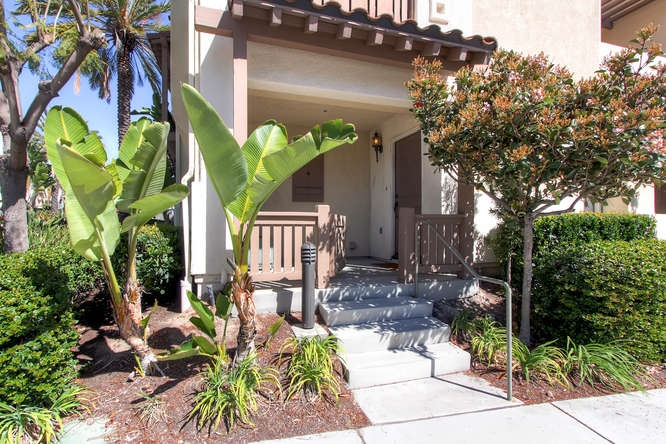 Photo 3: CHULA VISTA Townhome for sale : 3 bedrooms : 1879 Fargo Lane #1