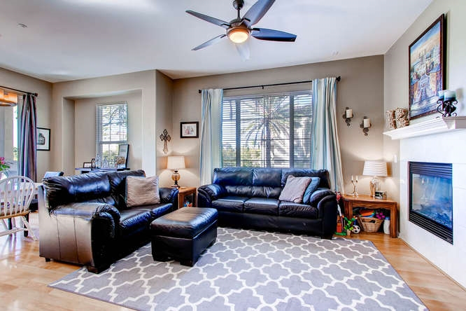 Photo 6: CHULA VISTA Townhome for sale : 3 bedrooms : 1879 Fargo Lane #1