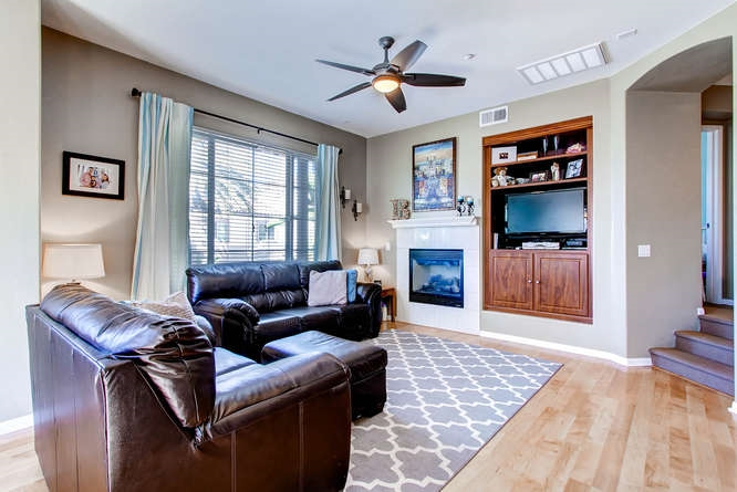 Photo 5: CHULA VISTA Townhome for sale : 3 bedrooms : 1879 Fargo Lane #1