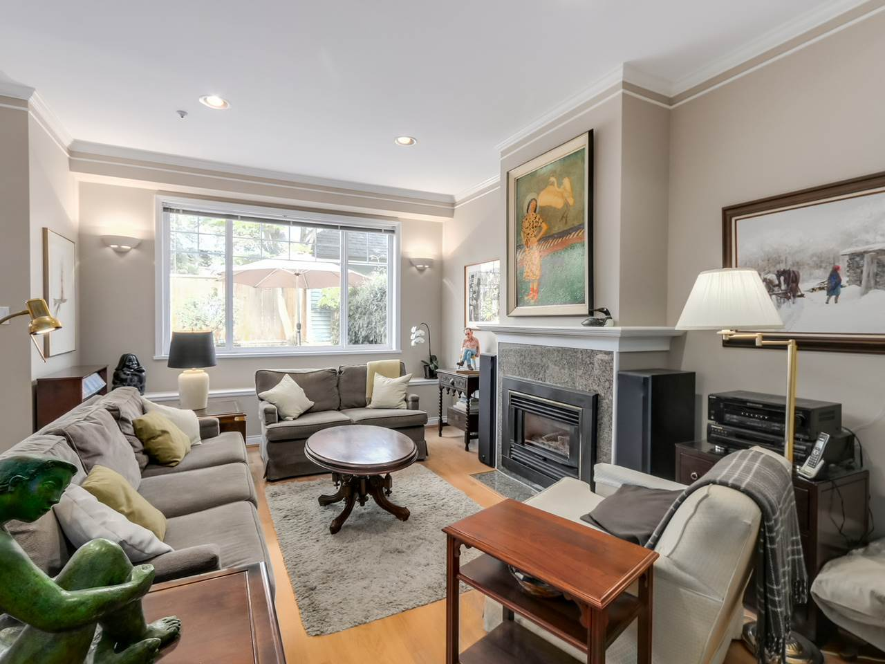 Photo 3: 1825 W 11TH Avenue in Vancouver: Kitsilano Townhouse for sale (Vancouver West)  : MLS® # R2061107