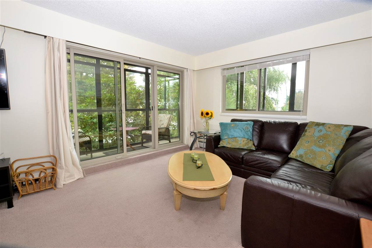 "Photo 7: 103 1429 MERKLIN Street: White Rock Condo for sale in ""Kensington Manor"" (South Surrey White Rock)  : MLS(r) # R2104307"