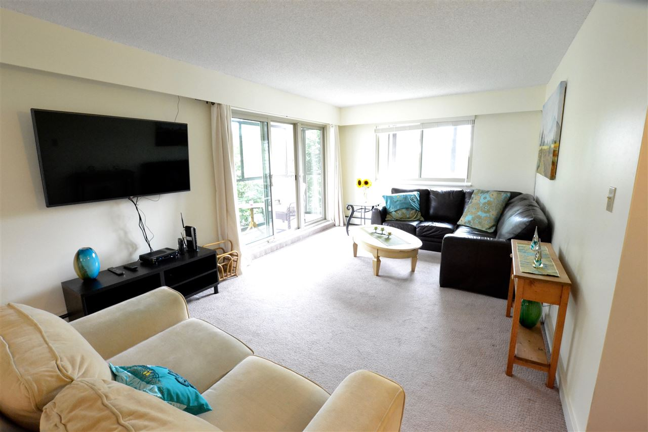 "Photo 8: 103 1429 MERKLIN Street: White Rock Condo for sale in ""Kensington Manor"" (South Surrey White Rock)  : MLS(r) # R2104307"