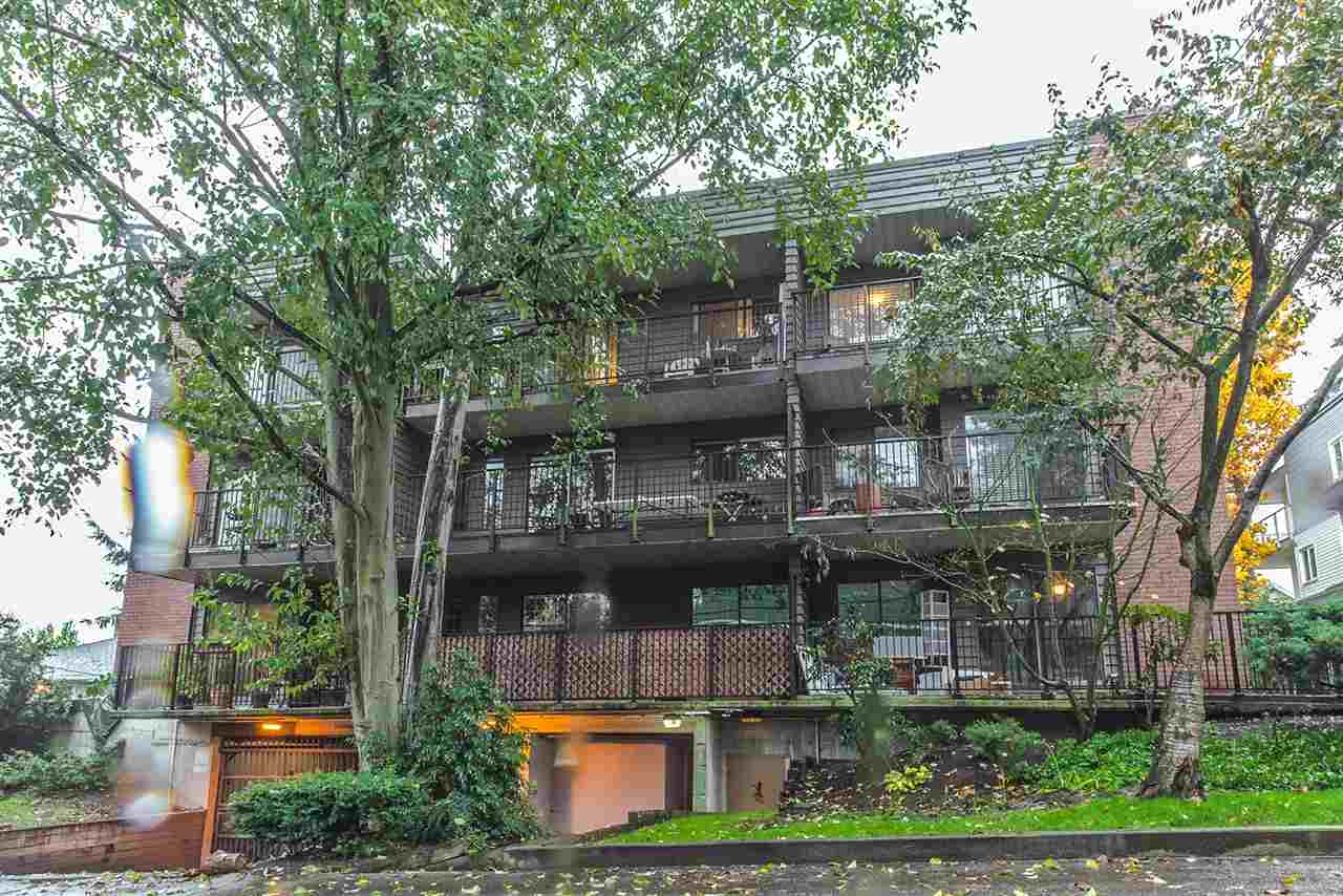 "Main Photo: 301 1365 E 7TH Avenue in Vancouver: Grandview VE Condo for sale in ""McLEAN GARDENS"" (Vancouver East)  : MLS(r) # R2121114"