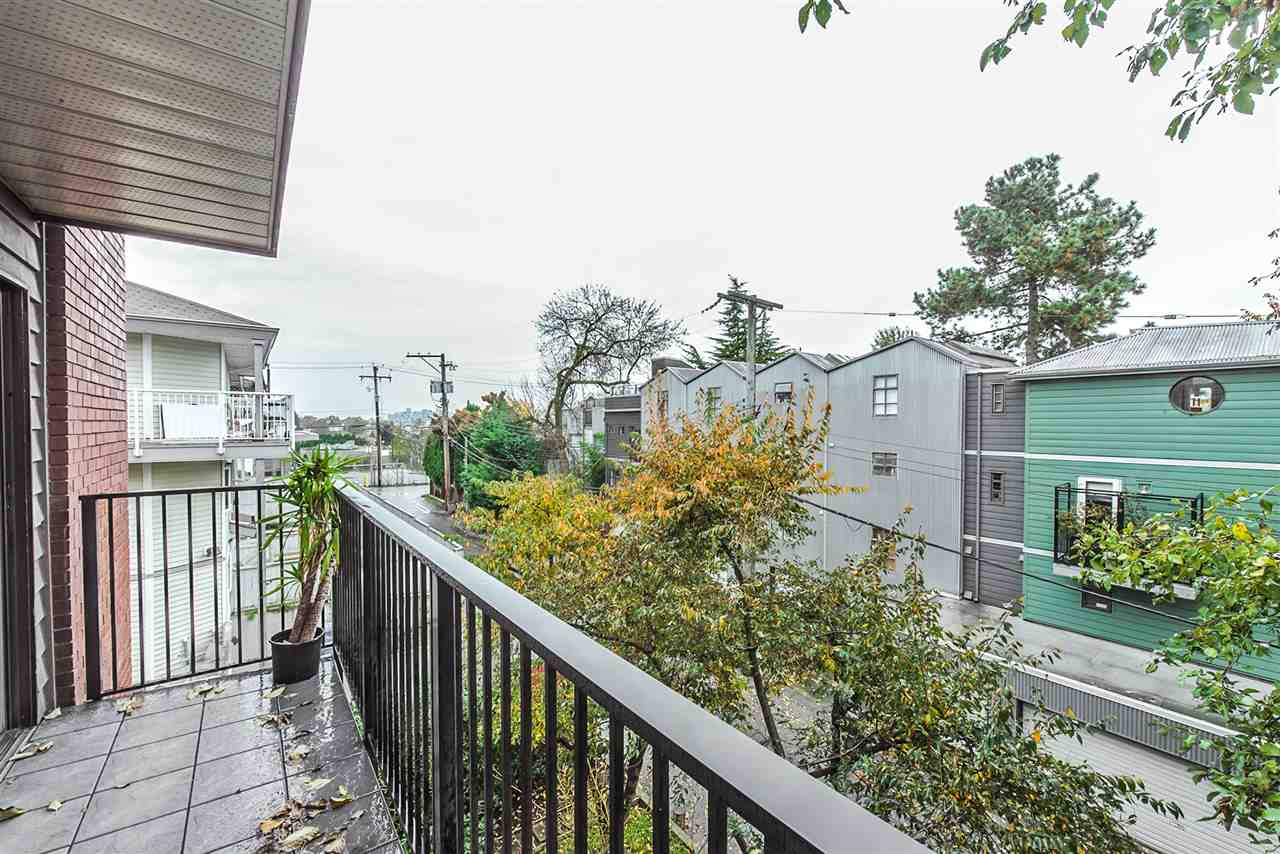 "Photo 20: 301 1365 E 7TH Avenue in Vancouver: Grandview VE Condo for sale in ""McLEAN GARDENS"" (Vancouver East)  : MLS(r) # R2121114"
